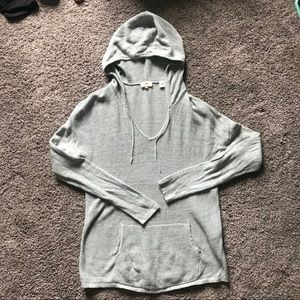 Levi Pull Over